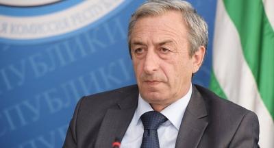 Парламент принял отставку генпрокурора Абхазии